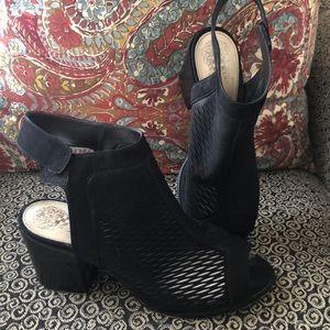 Black Vince Camuto Heels!!!